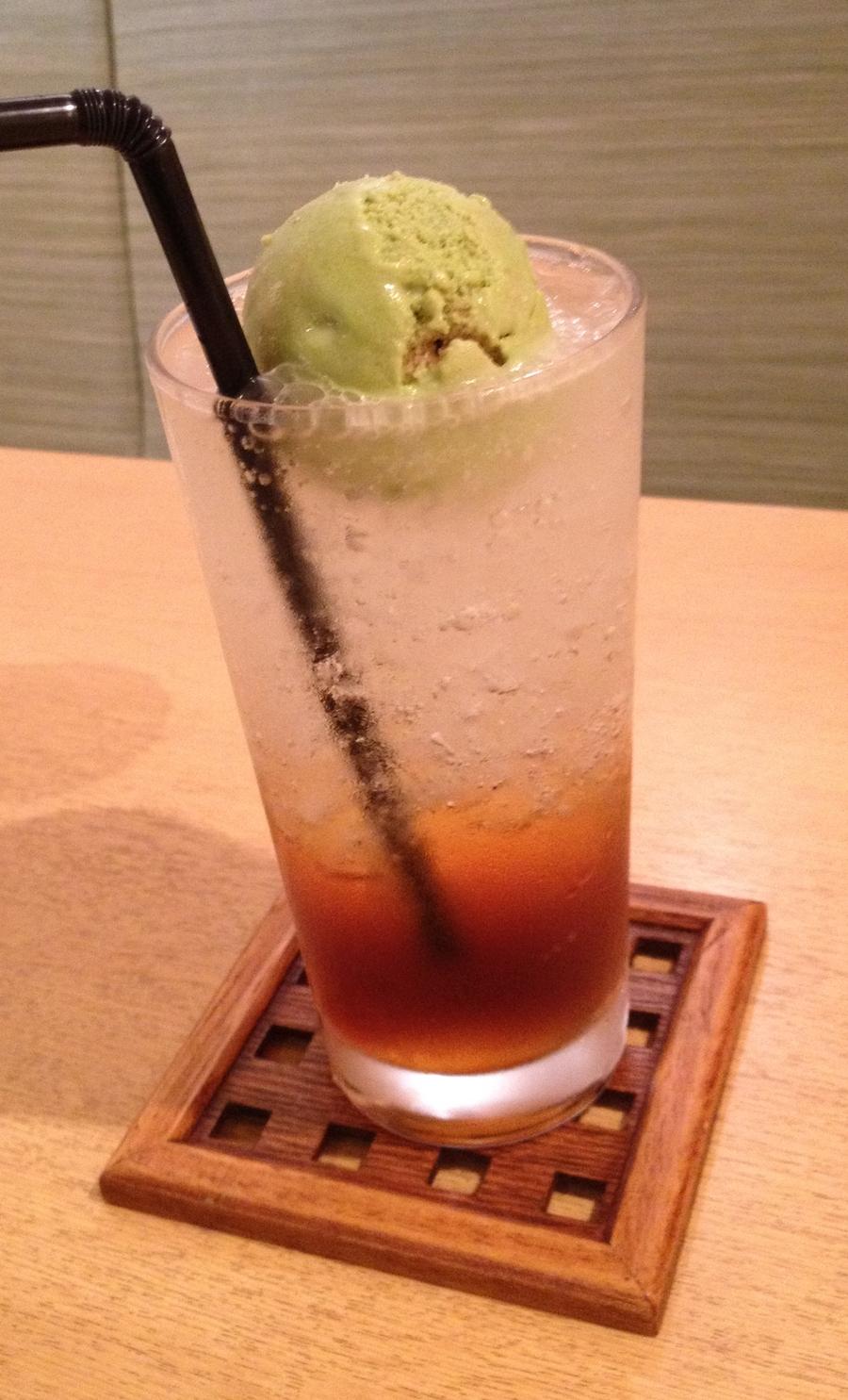 茶遊亭 ほうじ茶ソーダフロート