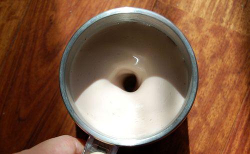 自動攪拌機付きマグ (8)