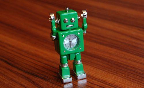 おもちゃのロボット (3)