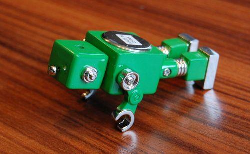 おもちゃのロボット (5)
