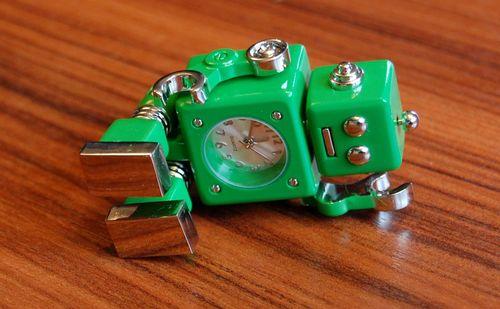 おもちゃのロボット (7)