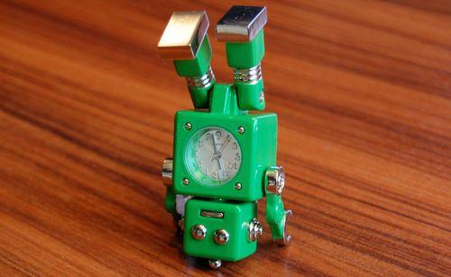 おもちゃのロボット (9)
